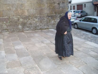 abuela en la alberca