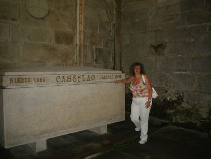 Ante la tumba de Castelao