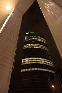 La torre enmarcada