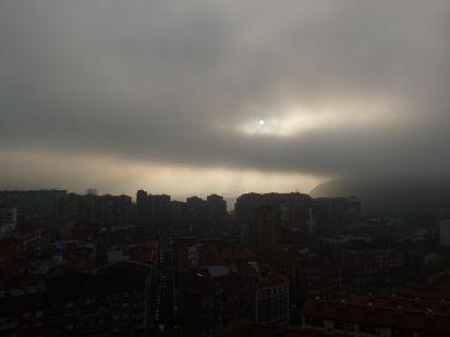 entre niebla