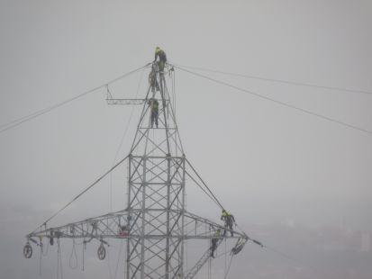 hombres electricos
