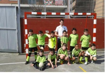 equipo benjamin liga b del colegio Juan Delmas del grupo 5