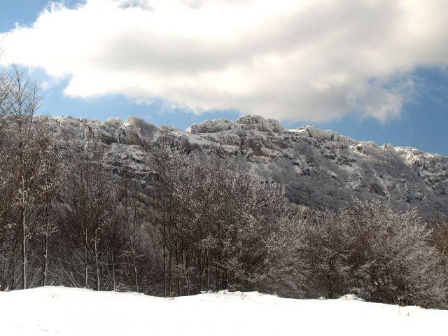 monte Toloño