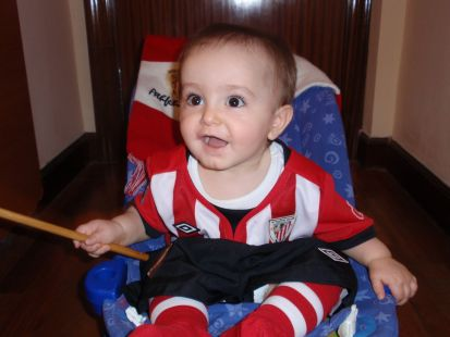 Aitor animando al Athletic