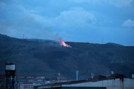 Incendio en la zona de La Arboleda2
