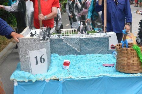 desfile disfraces santiagos 2013
